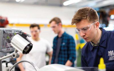 Las 5 carreras con mejores oportunidades de empleo de la UCR, UNA y TEC